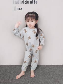 Girls tracksuit Spring and Autumn baby coveralls long-sleevedclimbing clothes autumn children's cotton 4 piece pajamas1-2-3-year-old