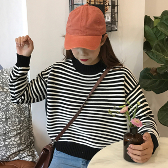 Qiudong Korean-style New style long-sleeved pullover short knit shirt striped sweater (Black)
