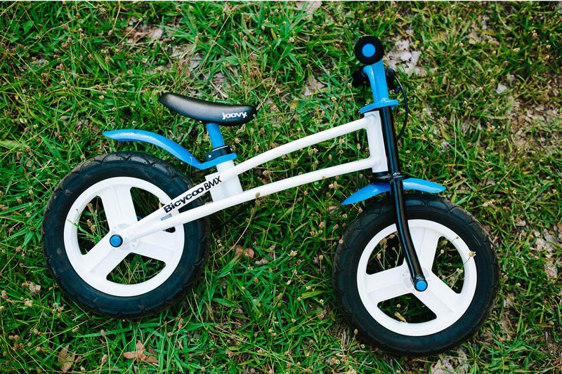 Joovy Bicycoo Balance Bike - blue in site