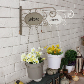 Harga Iron-made wall mounted faux flowers in a bucket for decoration