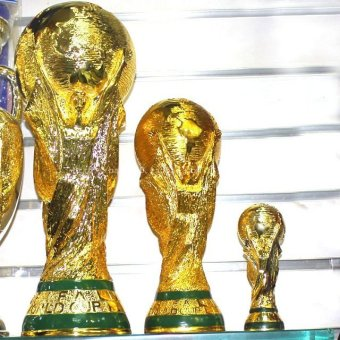 Harga 36cm World Cup fans commemorative model trophy