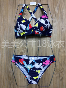 2017 explosion models in Europe and America color swimsuit sexy BIKINI bikini size chest Print Hot Spring swimsuit