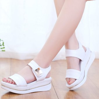 2017 summer new korean version of the influx of students with leisure wild flat waterproof platform platform sandals female summer (White)