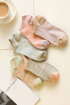 Female cotton socks boat socks summer thin invisible shallow mouth to help low sports deodorant silicone students cute socks japanese socks (Literature and art and five pairs of dress)