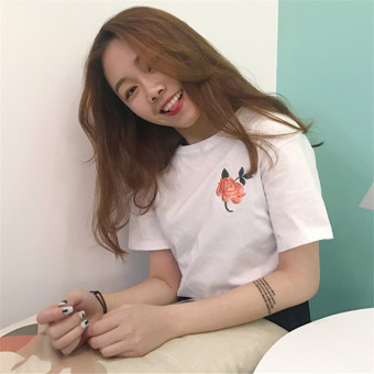 T-shirt female short-sleeved Korean-style white New style retro Hong Kong flavor embroidery loose summer clothes casual student Top tide (White)