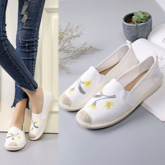 Korean-style breathable straw flat casual shoes New style canvas shoes (White)