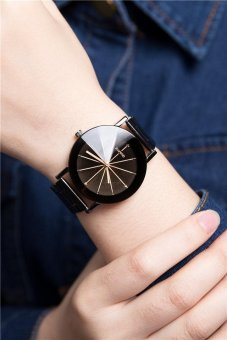 Harga Rorychen A Pair of Couple Watches Quartz Leather Strap Men and Women Models(Black) - intl