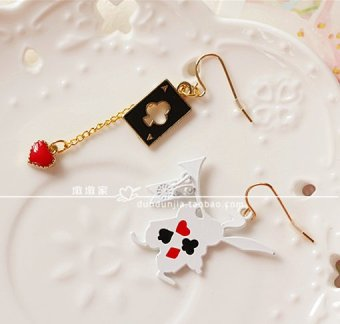 Harga Pier house」「trade jewelry. japanese rabbit alice in wonderland poker asymmetrical earrings ear clip