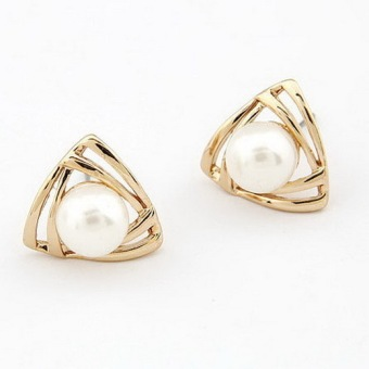 Easbuy 1pair NEW Women triangle Gold Plated White Freshwater Pearl Stud Earrings