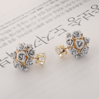 Harga Zhao Liying same paragraph double-sided to wear earrings anti-allergic ear jewelry cute rose flowers temperament Korean earrings female