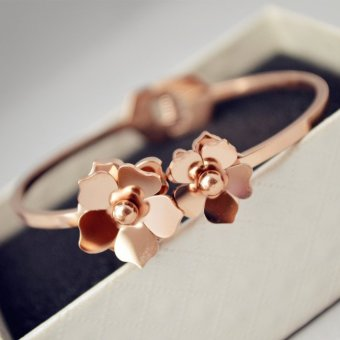 Harga Korean VERSION of the influx of people retro fashion simple titanium STEEL ROSE gold bracelet female sweet rose camellia gift